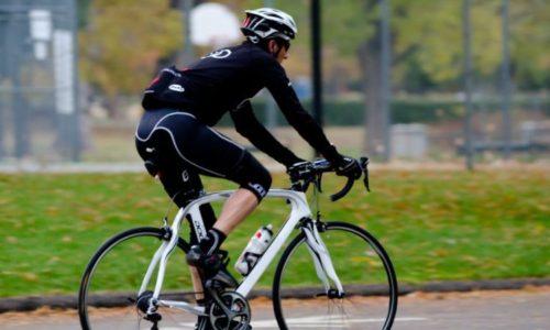 自転車を運転すると血管や神経を圧迫してしまう