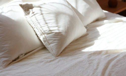 眠りやすい布団や枕を揃える